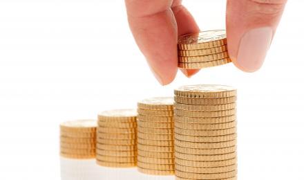 "Small Investors Should ""Bank"" on Risks"